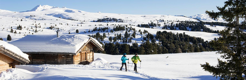 Almhütte im Winter in Südtirol im Eisacktal